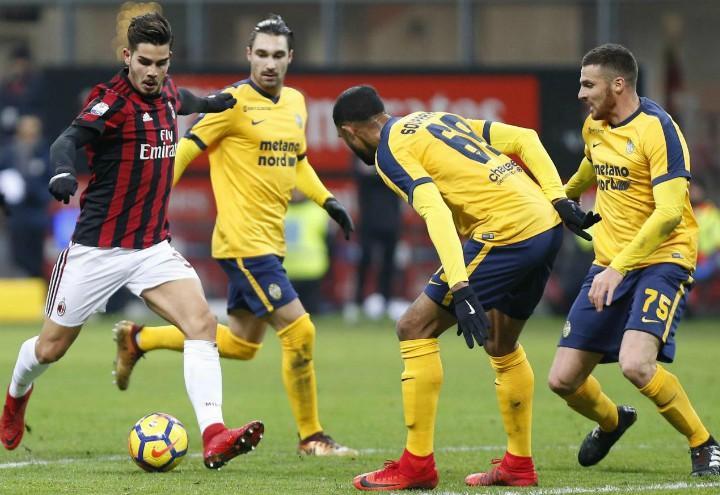 Andre_Silva_Souprayen_Milan_Verona_lapresse_2017