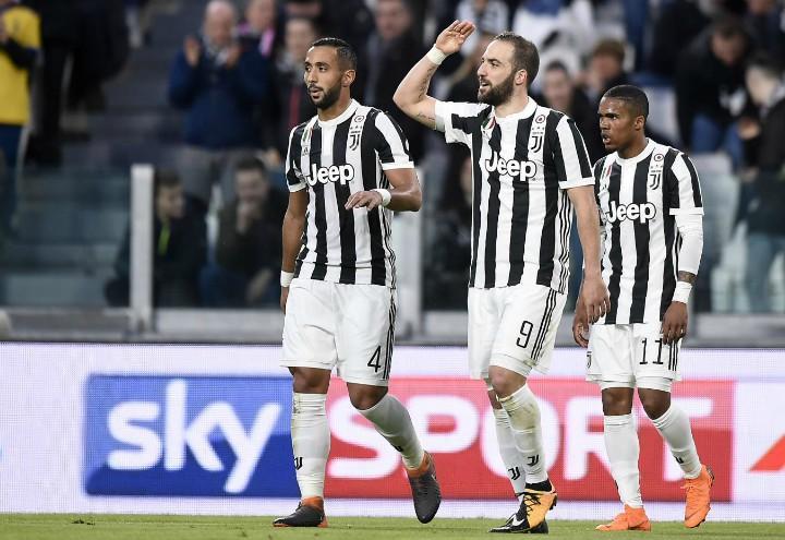 Benatia_Higuain_Douglas_Juventus_Atalanta_lapresse_2018