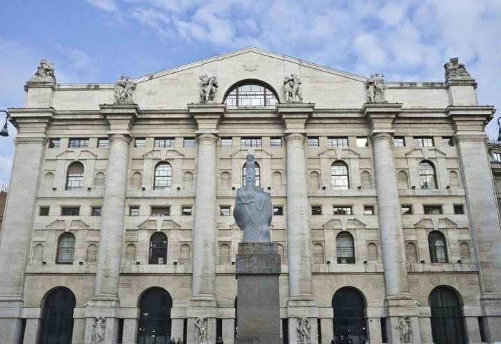 Borsa_Piazza_Affari_Love_Lapresse
