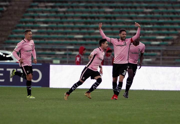 Coronado_Rispoli_Palermo_gol_lapresse_2017