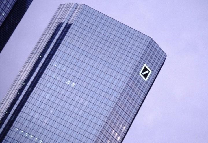 Deutsche_Bank_Palazzo_Lapresse