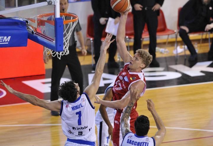 Kuzminskas_Vitali_Milano_Brescia_basket_lapresse_2018