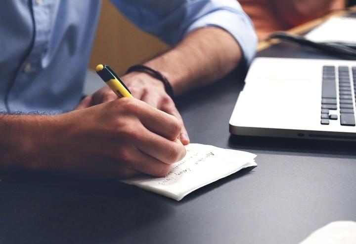 Lavoro_ufficio_scrivere_pixabay