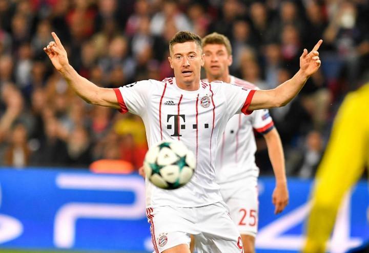 Lewandowski_Bayern_palla_lapresse_2017