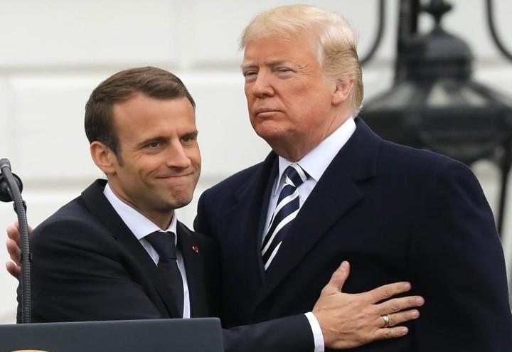 Macron_Trump_Braccio_Lapresse