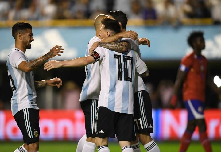 Messi_Mascherano_Argentina_gol_Haiti_lapresse_2018