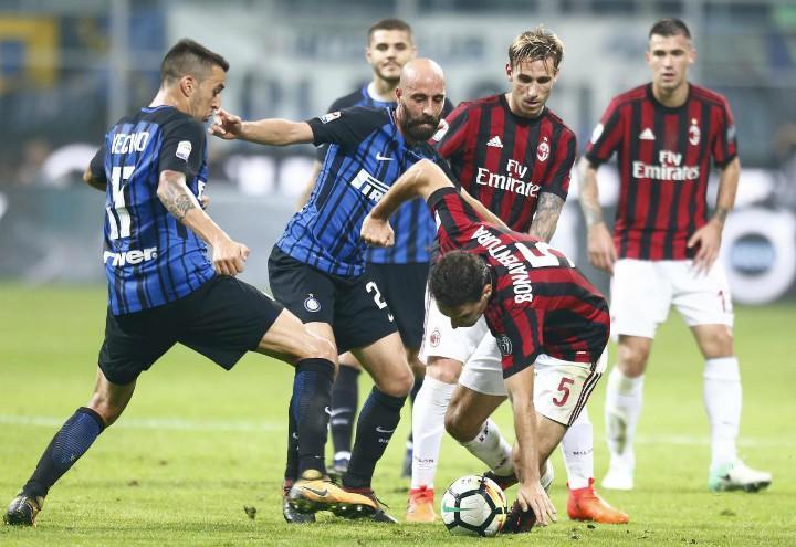 Milan_Inter_Borja_Valero_mischia_lapresse_2018