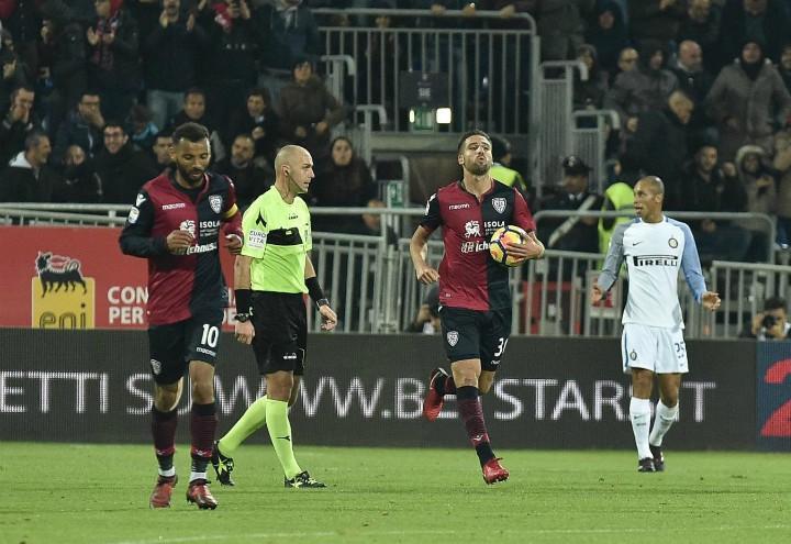 Pavoletti_gol_Cagliari_Inter_lapresse_2017