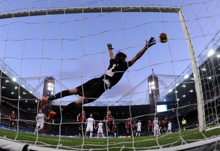 Perin_Genoa_Juventus_punizione_lapresse_2017