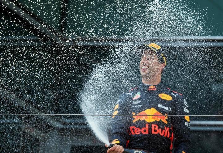 Ricciardo_Cina_spumante_Formula1_lapresse_2018