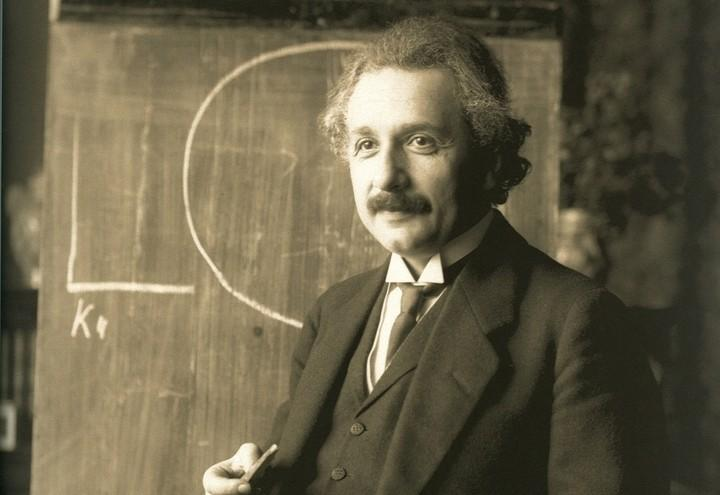 albert_einstein_fisica_scienza_relativita_1921_wikipedia
