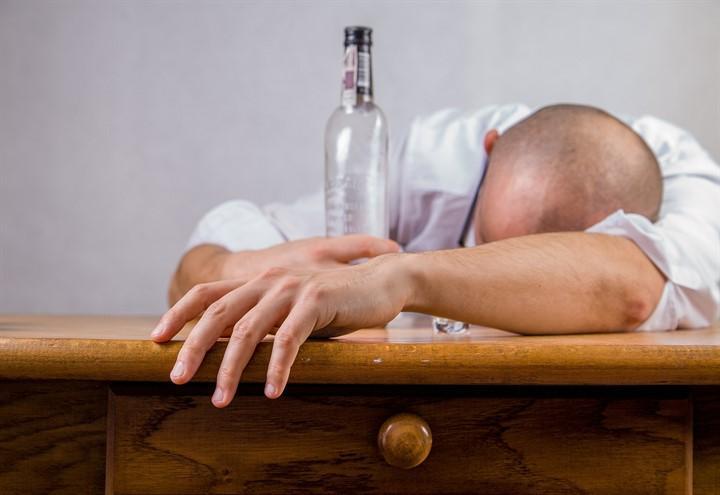 L Alcol Uccide Piu Del Fumo E Delle Droga Rapporto Sull Alcolismo Si Inizia A Bere Da Giovanissimi