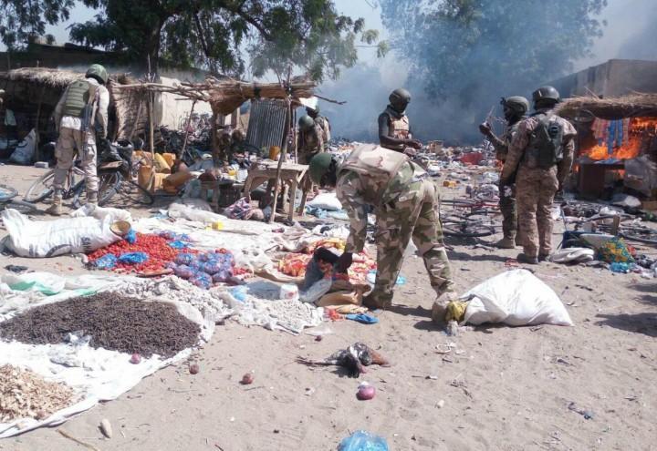 attentato_boko_haram_nigeria_terrorismo_bomba_moschea_mercato_lapresse_2017