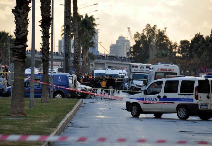 attentato_turchia_terrorismo_polizia_bomba_attacco_isis_lapresse_2017