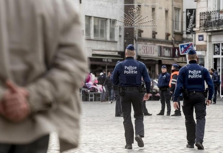 belgio_polizia_molenbeek_lapresse_2018
