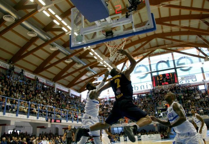DIRETTA/ Brindisi Olimpia Milano (finale 74-77) streaming video tv ...