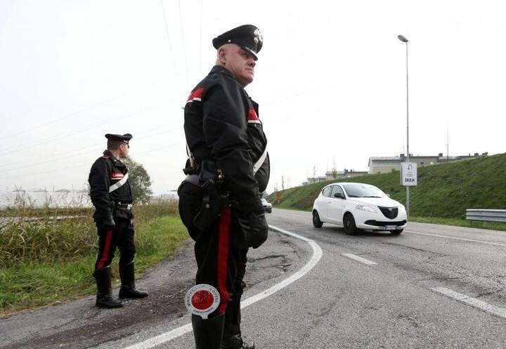 carabinieri_sassi_auto_lapresse_2017