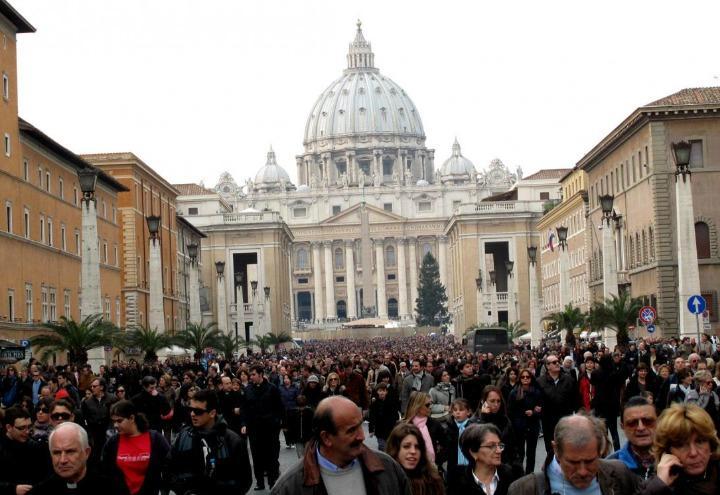 chiesa_sanpietro_conciliazione_roma_lapresse_2015