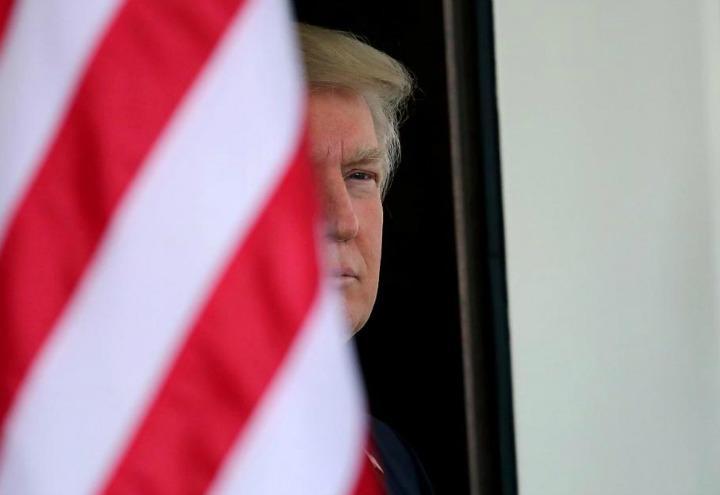 donald_trump_6_bandiera_lapresse_2017
