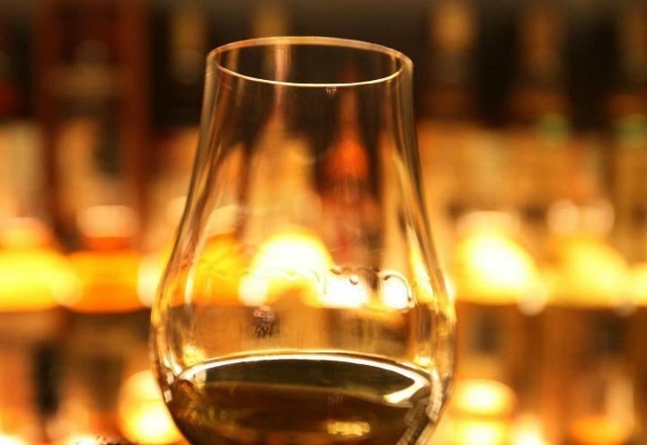 drink_vino_bere_ubriachi_bicchiere_bar_lapresse_2017