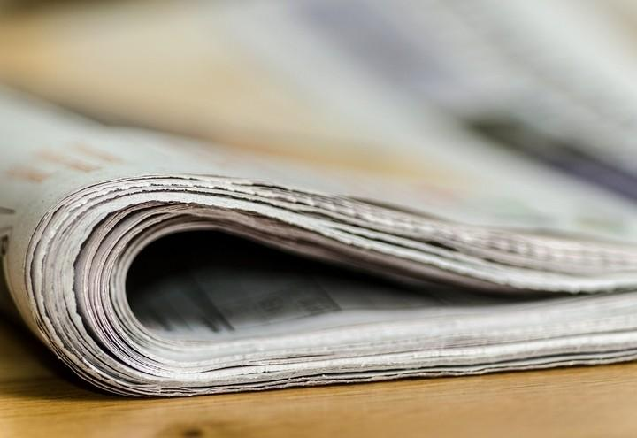 giornale_piegato_pixabay
