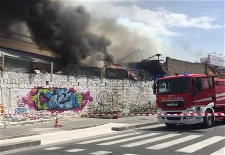 incendio_napoli_web