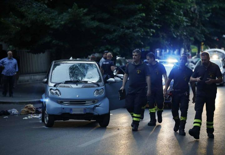 incidente_roma_monteverde_auto_vigili_fuoco_polizia_lapresse_2017