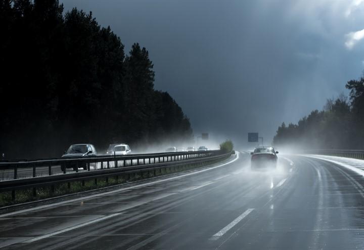 meteo_maltempo_pioggia_strada_pixabay