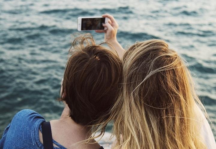 selfie_pericoloso_pixabay