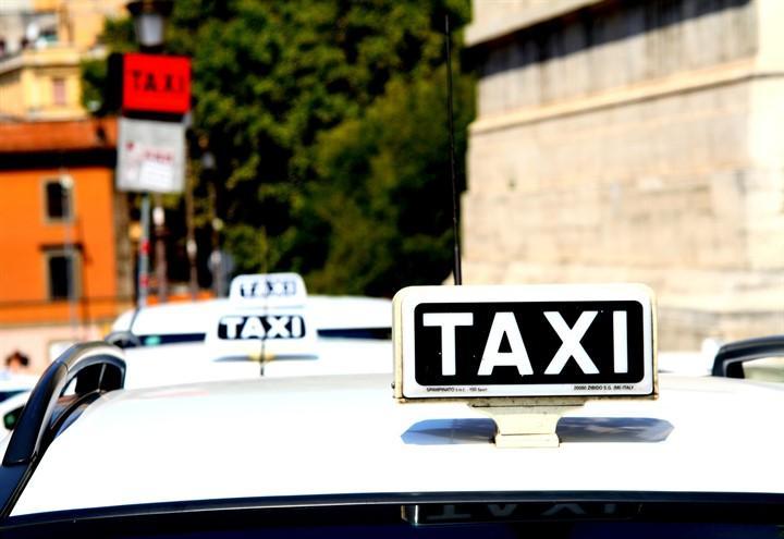 taxi_tassisti_pixabay