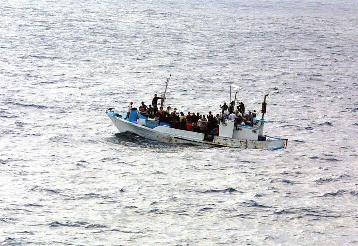 traffico_migranti_barconi_pixabay