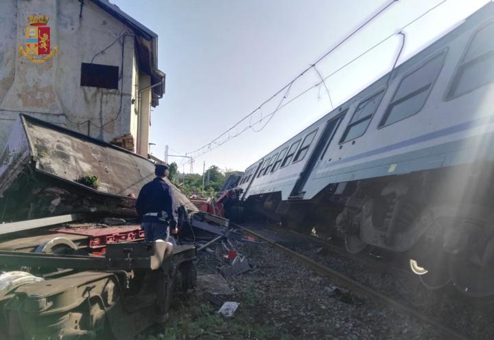 treno_caluso_incidente_deragliato_ivrea_polizia_cs_2018
