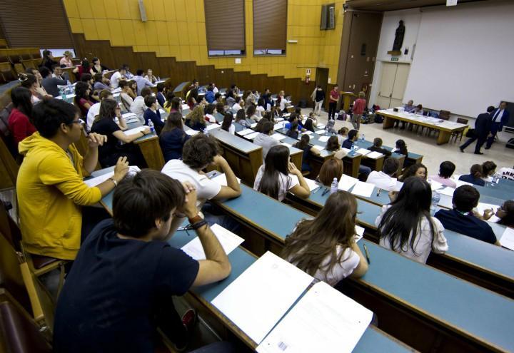 universitari_aula