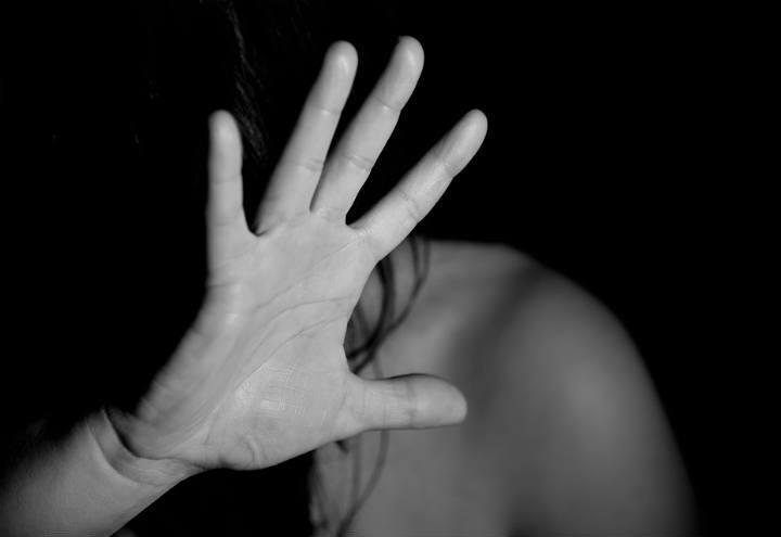 violenza_donna_mano_pixabay_2017