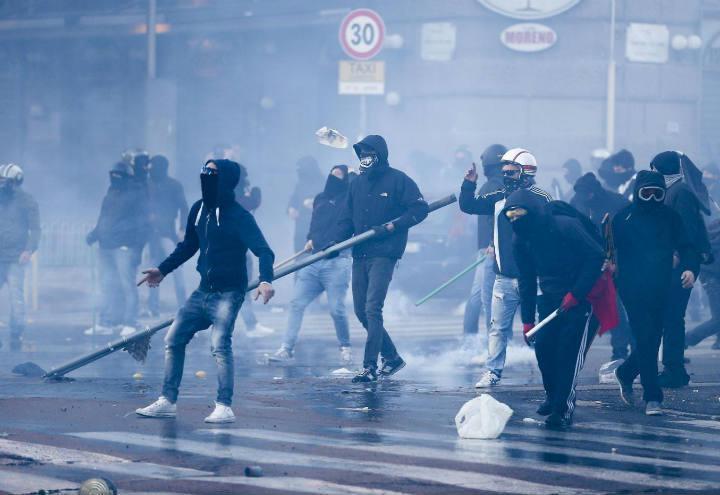 violenza_scontro_lapresse_2017