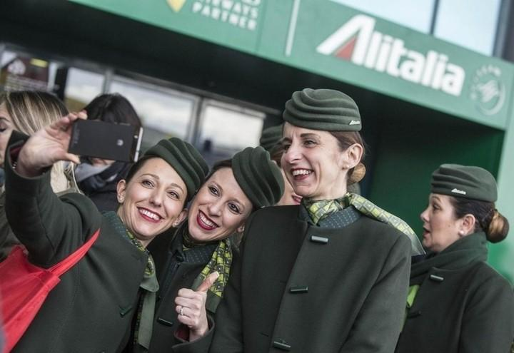 Alitalia_Hostess_Lapresse