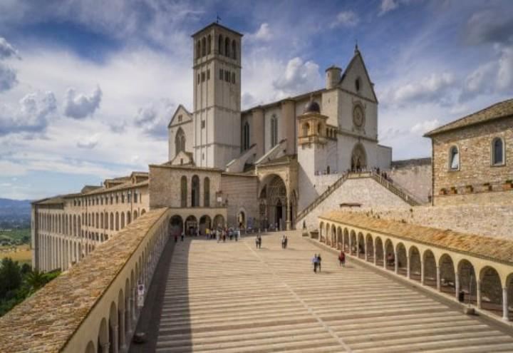 Assisi_green_web_2017
