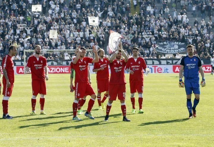 Bari_saluto_SerieB_lapresse_2017