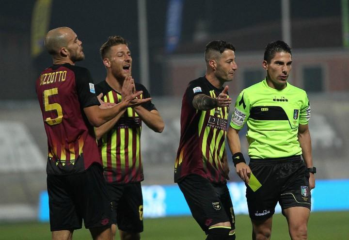 Bassano_proteste_arbitro_Serie_C_lapresse_2017
