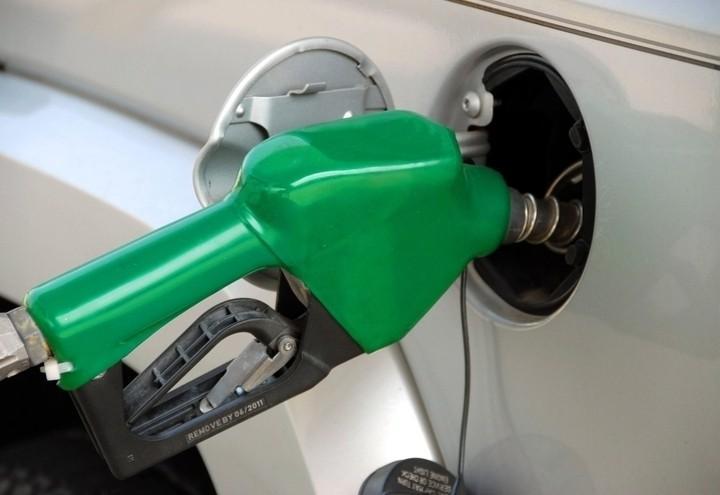 Benzina_pompa_carburante_pixabay