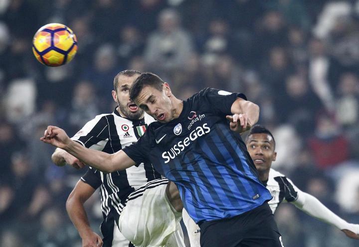 Chiellini_Pesic_Juventus_Atalanta_lapresse_2017