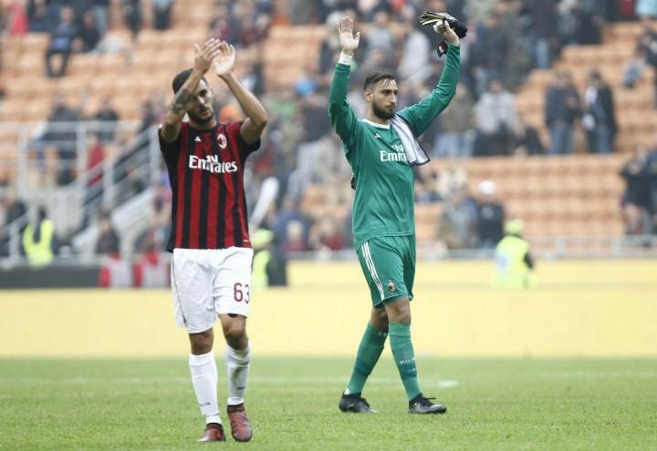 Cutrone_Donnarumma_Milan_Genoa_saluto_lapresse_2017