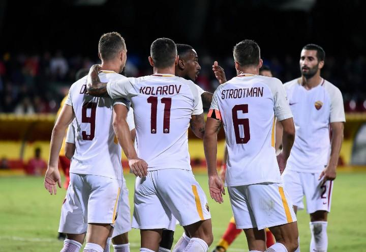 Dzeko_Kolarov_Strootman_Roma_bianca_lapresse_2017