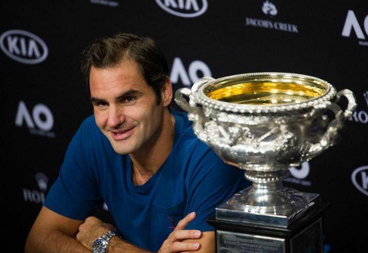 Federer_Australian_trofeo_lapresse_2018