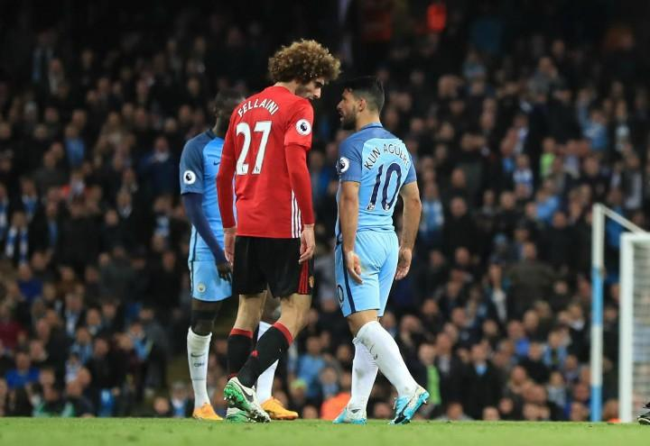 Fellaini_Aguero_United_City_lapresse_2017