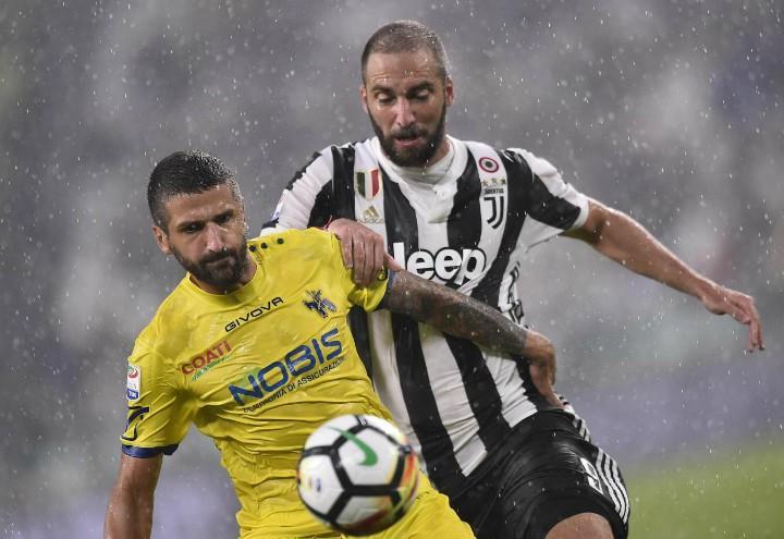 Gamberini_Higuain_Juventus_Chievo_lapresse_2018