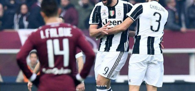 Higuain_Chiellini_Juventus_Torino_lapresse_2017