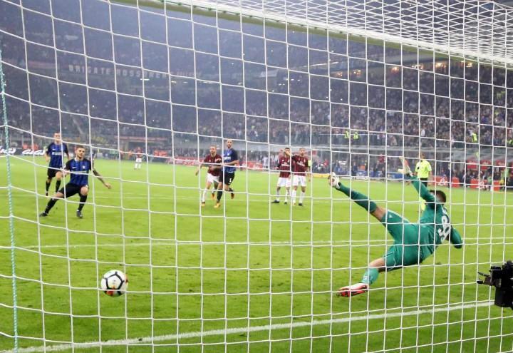 Icardi_rigore_derby_Inter_Milan_lapresse_2017