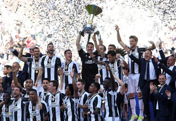Juventus_coppa_scudetto_lapresse_2017