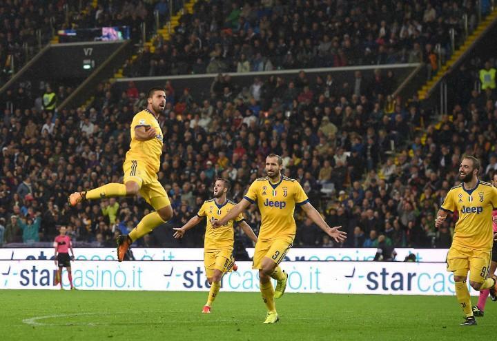 Khedira_salto_Udinese_Juventus_lapresse_2017